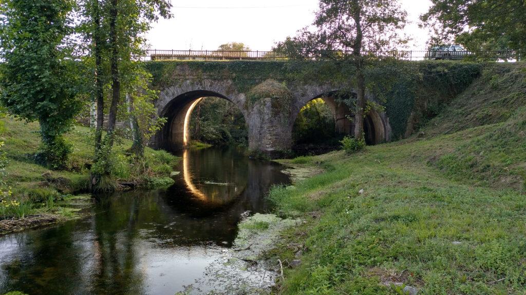 Puente de Senra en la salida del núcleo urbano
