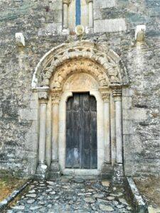 Fachada de San Martín de Berselos